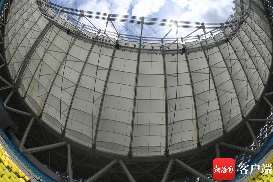 实拍海南最大的体育场